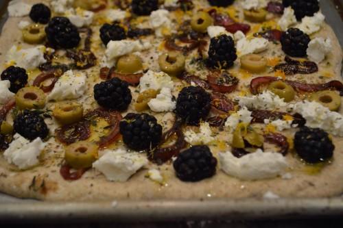 blackberry pizza 4_4142.JPG