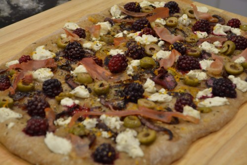 blackberry pizza 7_4148.JPG