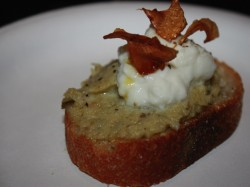 artichoke crostini with burrata cheese